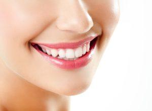 Где лучше протезировать зубы